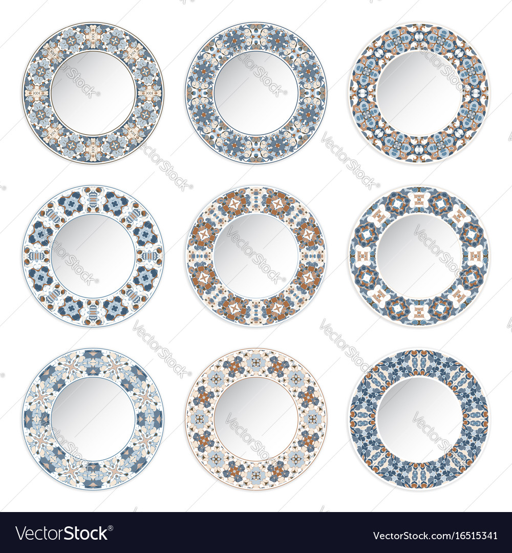 Set of decorative plates with a circular blue