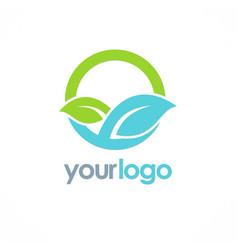 green leaf organic round logo vector image