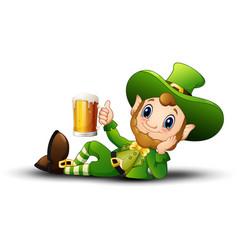 cartoon leprechaun holding a mug beer vector image
